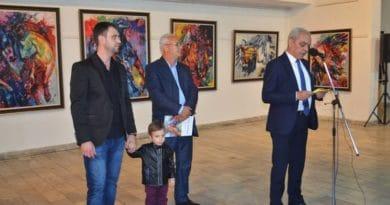"""Синоќа отворена изложбата """"Нескротлива енергија""""  на Александар Филев"""