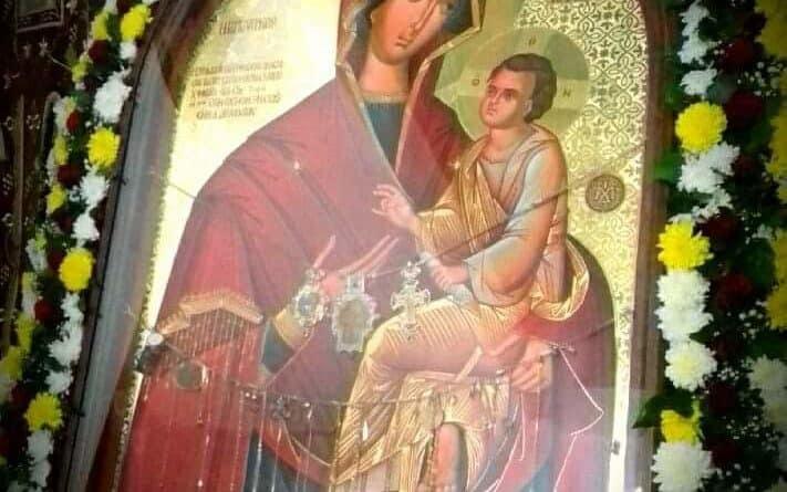 """Свечена литија со иконата на Пресвета Богородица """"Брзопослушничка"""" во Струмица"""